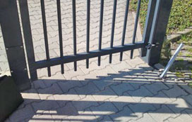 Secure access control on access gates to premises