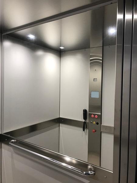 Homelift DHM 500 - panel de control y espejo