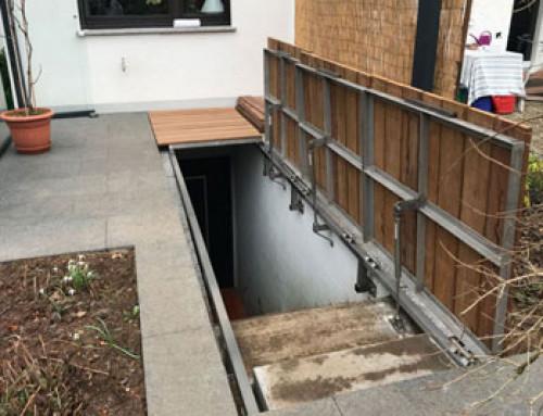 La cubierta de la escalera del sótano embellece la terraza y gana espacio