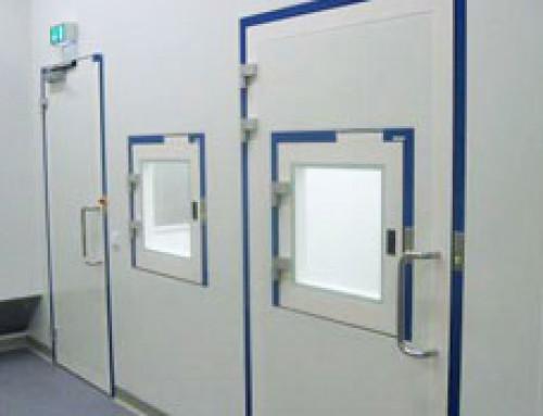 Esclusas en sistemas de salas blancas para procesos seguros