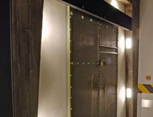 El cierrapuertas para puertas correderas DICTAMAT 50 abre puertas de escape como por arte de magia