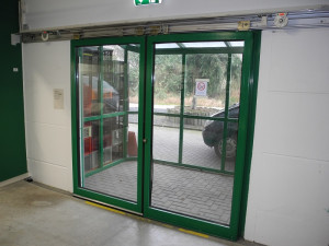 Door closer for sliding doors: economic alternative to sliding door operators